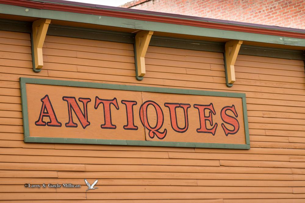 Antiques sign in Van Buren
